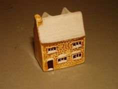 MUDLEN-END-POTTERY-NO-31-SNOW-VERSION-SPECIAL-EDITION-MODEL