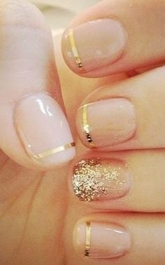 This gold and nude combo is the perfect pairing for your fall nails.