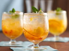 Put peach and orange slices in glass topped with vanilla simple syrup and vodka – a wonderful drink thats ready in just 10 minutes.