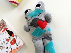 Béla, a kabala zoknibaba - Masni / Cute and easy kid toy made from unpaired socks DIY