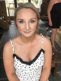 Brautjungfer Make-up. - Jess Mac & The Braid and Blush Team - Brautjungfern make-up Wedding Hair And Makeup, Hair Makeup, Mac, Bridesmaid Makeup, Rosacea, Wedding Hairstyles, Braids, Blush, Foundation