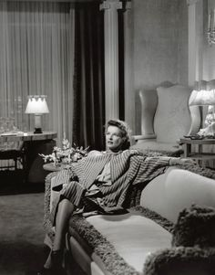 katharine hepburn keeps me going. kh researcher/enthusiast/collector here to keep her memory. Classic Actresses, Classic Films, Hollywood Actresses, Classic Hollywood, Old Hollywood, Hollywood Icons, Kathrin Hepburn, Katharine Hepburn Spencer Tracy, Elizabeth Cady Stanton