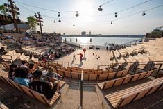 Over 540 metres of pathways wind through the park, looping past viewpoints and performance spaces, including an amphitheatre that frames the water behind the stage. Urban Landscape, Landscape Design, Rio, Thomas Heatherwick, Outdoor Theater, Island Park, River Park, Urban Park, Little Island