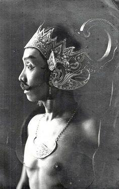 Wayang Wong Dancer - 1935 Java Indonesia