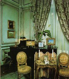 Edward VIII and Wallis Simpson (Duke and Duchess of Windsor)'s Villa on the Bois de Boulogne, Blue salon