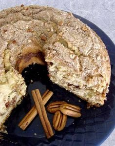 This recipe is used in the Ellsworth High School Foods class. It is scrumptious, and all the students devour it! Sourdough Coffee Cake Recipe, Sourdough Recipes, Sourdough Bread, Amish Bread, Over The Top, Cake Recipes, Dessert Recipes, Desserts, Biscuits Aux Raisins