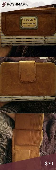 Fossil wallet Brown and white leather wallet Bags Wallets