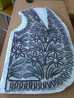 This Pin was discovered by Tat Crochet Motif, Irish Crochet, Crochet Lace, Sewing Patterns, Crochet Patterns, Romanian Lace, Bruges Lace, Sewing Lace, Lace Art
