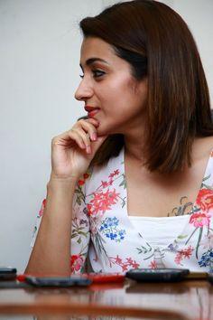 Indian Celebrities, Beautiful Celebrities, Trisha Actress, Trisha Photos, Trisha Krishnan, Teenage Girl Photography, Malayalam Actress, Tamil Actress Photos, Most Beautiful Indian Actress