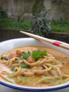 laksa alle verdure - zuppa di noodles e verdure