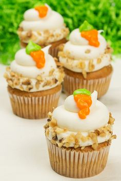 Carrot cake cupcakes with carrot detail. Easy Easter dessert.