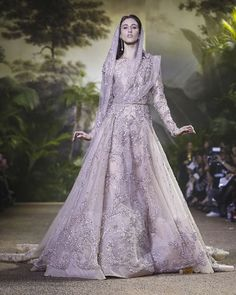 Elie Saab HC show today inspired by India #EnterIndia #ElieSaab #Pfw #hautecouture #ss16 @enterindia_
