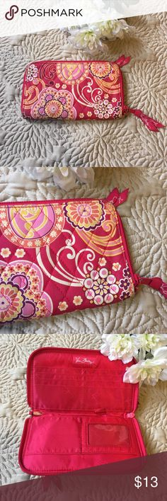Very Bradley Wallet Discontinued Raspberry Fizz Vera Bradley Clutch Wallet -Retired Pattern Raspberry Fizz -Pattern is now retired & was only in use from: Jan/08-Nov/09 -Slots for credit cards -Zippered outside pocket -Condition: Small pen mark in the interior please refer to the pictures.   Thank you for shopping at Freelancemoda.  Take a look at my other items! Vera Bradley Bags Clutches & Wristlets