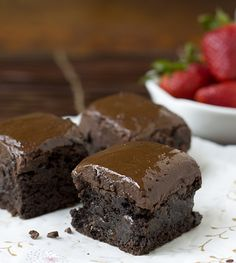 Chopping Chocolate: Dark Chocolate Buckwheat Brownies with Nutella Ganache (  A Knife Giveaway!) — La Fuji Mama