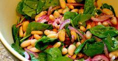 Salată delicioasă de fasole albă cu spanac | Paradis Verde