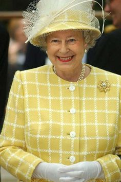 Queen Elizabeth II Style Retrospective: 2004 HM looks wonderful in yellow
