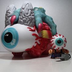 Keep Watch dunny & labbit by Mishka