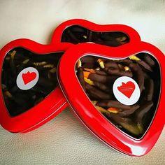 Le mie scatole dolci 😋❤️ 🍊🍫🍪🍯🍩🍐🍎🍍🍫🍬 - - - - - - - #gift #presents #chocolate #sweet #foodporn #food #cucina #go #amazing #slurp #goodlife #love #recipe #yummy #beautiful #bestoftheday #cibo #cooking #delicious #delish #dessert #eat #eating #fashionfood #favorite #foodaddict #ifpgallery #sweets #enjoyfoodmagazine #sanvalentin