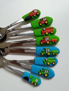Příbor pro farmáře (dětský) / Zboží prodejce Moell | Fler.cz Polymer Clay Crafts, Diy Clay, Clay Projects, Projects To Try, Biscuit, Clay Mugs, Cakes For Men, Clay Art, Spoon