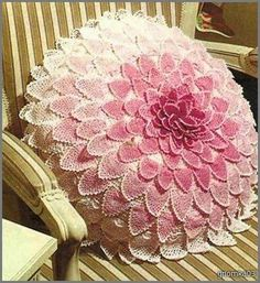 Crochet pillow with diagram.assortment of crochet pillow's and charts! Crochet Home Decor, Crochet Crafts, Crochet Doilies, Crochet Flowers, Crochet Lace, Crochet Hooks, Crochet Projects, Crochet Cushion Cover, Crochet Cushions
