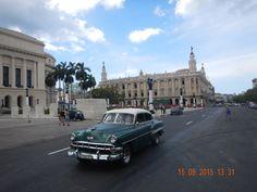 UN VIAJE AL TIEMPO EN CUBA : https://elblogdetangerine.wordpress.com/2015/10/01/un-viaje-al-tiempo-en-cuba/