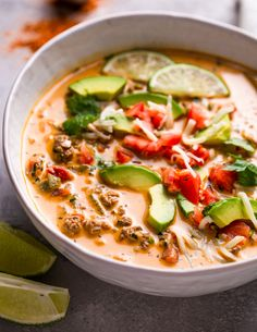 Low carb and keto-friendly Creamy taco soup is warm and comforting. It's packed with veggies and topped with fresh avocado and lime juice and is the perfect way Low Carb Taco Soup, Keto Soup, Keto Taco, Healthy Dishes, Healthy Eating, Healthy Recipes, Keto Recipes, Bariatric Recipes, Keto Foods