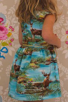 Oh deer !, Bij dit jurkje nam ik het jurycriterium 'attentie voor detail' wel héél serieus. Wil je weten waar ik allemaal op heb gelet, kijk dan snel op m...  #contest2015 #ileanadress #patternhack