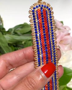 This bracelet made with Miyuki Delica seed beads, rhinestones on the chain is now available at SplendidBeads's Etsy Shop Bead Jewellery, Beaded Jewelry, Handmade Jewelry, Beaded Bracelets, Peyote Stitch Tutorial, Bracelet Tutorial, Bead Embroidery Jewelry, Beaded Embroidery, Jewelry Patterns