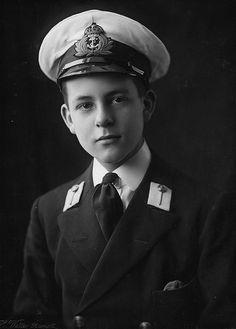 Senior Services, Navy Sailor, Military Men, Royal Navy, Alter, First World, World War, Captain Hat, Handsome