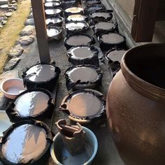 Making clay at Bizen pottery artist - Mr. Saito Takashi #ceramics #ceramic #pottery #teapot #kyusu #kyuusu #teatime #greentea #tea #japaneseceramics #japanesepottery #wabicha #wabipot #woodfired #柴烧 #柴燒