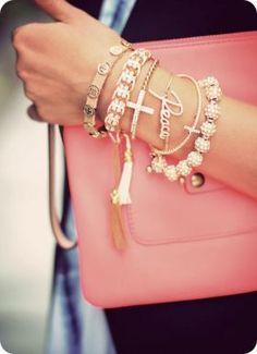 Brazaletes y pulseras de moda