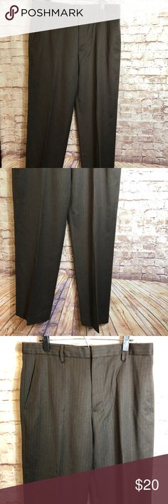 """✨MENS BANANA REPUBLIC BROWN DRESS PANT✨ Men's Banana Republic brown stripe dress pant size 35  Great condition    🔹Waist: 35"""" 🔹Rise: 12"""" 🔹Inseam: 32"""" 🔹Condition : Preowned no rips, tears , marks or stains . Pet free smoke free Banana Republic Pants Dress"""
