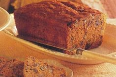 Date Nut Bread Recipe: Date Nut Bread Recipe is great combination of dried chopped dates and walnuts. The dates give this Tasty Loaf Bread a moist and very rich taste. You can even freeze a loaf Bread up to one month ahead. Nut Bread Recipe, Bread Recipes, Date Nut Bread, My Favorite Food, Favorite Recipes, Date Cake, Quick Bread, Baking Tips, Good Food