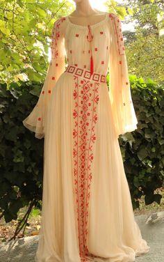 Traditional Wedding Dresses, Traditional Outfits, Pakistani Dresses, Indian Dresses, Pretty Dresses, Beautiful Dresses, Stylish Dresses, Fashion Dresses, Asian Bridal Dresses