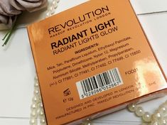 De Makeup revolution Radiant Light Highlighter, een aanrader op het gebied van budget makeup! #Makeuprevolution #budgetproof #budgetmakeup #budgethighlighter