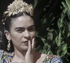 "©Eva Alejandra Matiz and ""The Leo Matiz Foundation"" Frida And Diego, Diego Rivera, Geisha, Beautiful Words, Inspiration, Leo, Photographers, Foundation, Spiritual"