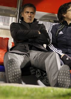 Jose Mourinho Photos - Head coach Jose Mourinho of Real Madrid looks on prior of the La Liga match between Real Zaragoza and Real Madrid at La Romareda stadium on December 2010 in Zaragoza, Spain. - Real Zaragoza v Real Madrid - La Liga Real Zaragoza, The Special One, Real Madrid Players, Chelsea Fc, Famous Faces, My Man, Coaching, Football, Celebrities