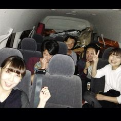 ツアー初日終了! 大阪ありがとうございました! いまから松山へ!! 車、なんかきったなく見えるな… 千住くんはワンセグでサッカー観てます。一人っ子め。