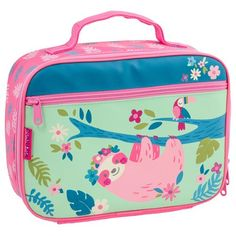 These classic children's lunchboxes have an inner mesh pocket. They are also fully insulated to ensure the food kept inside stays warm. Drinks are held using the interior Velcro strap, and personalization can be done on the front zipper pouch. Construction Lunch Box, Cute Lunch Boxes, Lunch Boxes For Girls, Insulated Lunch Box, Boxing Today, Monogram Styles, Kids Boxing, Velcro Straps, Toys For Girls