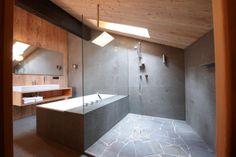 Hotel Wiesses Kreuz - bathroom