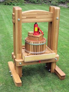 Diy Cider Press Beautiful Homemade Cider Press Powered by Hydraulic Jack Of 19 Inspirational Diy Cider Press - 19 Inspirational Diy Cider Press Wood Projects, Craft Projects, Projects To Try, Apple Cider Press, Woodworking Plans, Woodworking Projects, Homemade Cider, Wood Crafts, Diy And Crafts