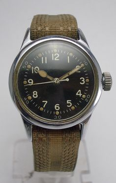 .. Vintage Military Watches, Vintage Watches, Cool Watches, Watches For Men, Men's Watches, Field Watches, Vintage Rolex, Mode Vintage, Beautiful Watches