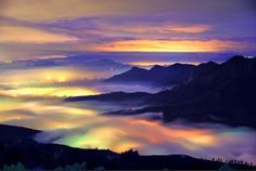 Photographer Beautifully Captures Surreal Clouds Rolling Over Taiwan - My Modern Met