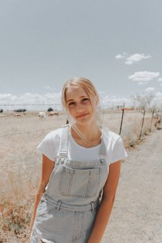 Outfits For Teens, Summer Outfits, Cute Outfits, Cute Photography, Photography Aesthetic, Foto Casual, Aesthetic Girl, Photoshoot, Trending Outfits