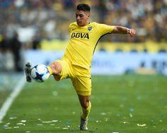 Dario Benedetto of Boca Juniors celebrates with teammates Fernando. Neymar, Messi, Rey, Breeze, Football, Running, Celebrities, Boyfriend, Blue