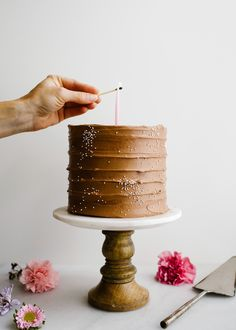 diy party diy party Sandragarcia Parties Brownie Batter Cake by Wood and Spoon This is a fluffy cocoa powder layer cake nbsp hellip Chocolate Malt, Chocolate Powder, Like Chocolate, Chocolate Frosting, Homemade Chocolate, Chocolate Lovers, Melting Chocolate, Chocolate Heaven, Cupcakes