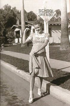 Photo of norma jean baker -rare photos for fans of Marilyn Monroe 36573835 Marylin Monroe, Young Marilyn Monroe, Marilyn Monroe Photos, Photo Vintage, Vintage Photos, Vintage Photographs, Divas, Pin Up, Norma Jeane