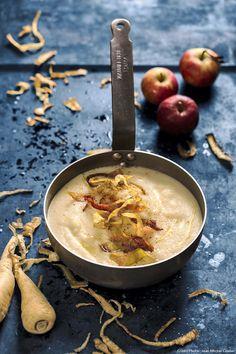 Velouté panais-pommes - The Best Chefs Recipes Pureed Food Recipes, Chef Recipes, Veggie Recipes, Soup Recipes, Whole Food Recipes, Cooking Recipes, Healthy Recipes, Parsnip And Apple Soup, Healthy Soup
