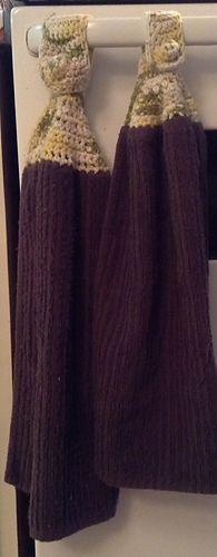 Ravelry: Towel Topper pattern by Teresa Richardson Bird Quilt Blocks, Crochet Projects, Ravelry, Towel, Pattern, Kitchen, Baking Center, Cooking, Kitchens