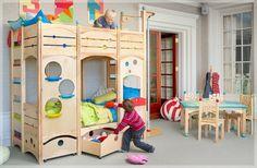 Kinderzimmer gestalten - coole Spielbetten für Kleinkinder aus Naturholz - #Dekoration
